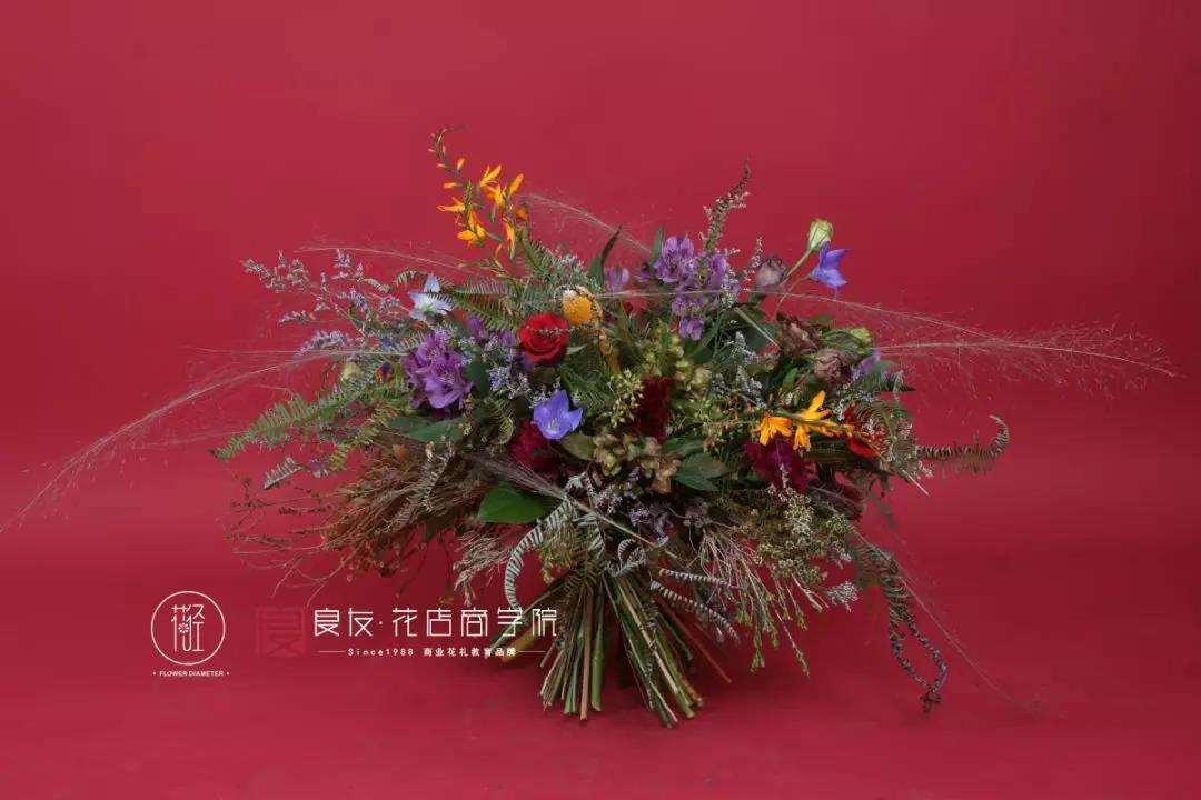 四色调花艺设计作品