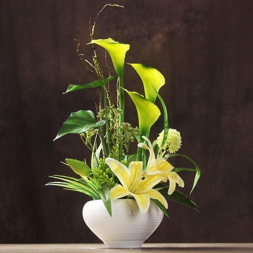 马蹄莲插花设计